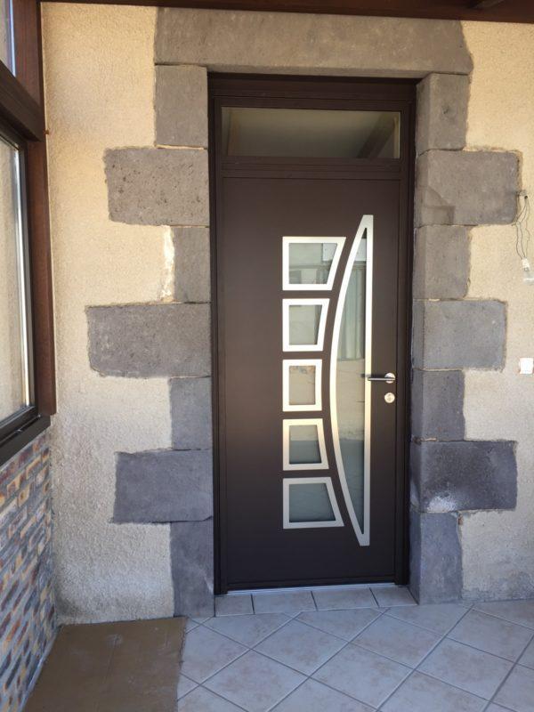 Porte entrée à Saint Clément de Reignat